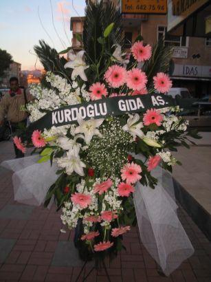 kazablanka,gerbera,sebboy ferforje  Adana çiçekçi mağazası