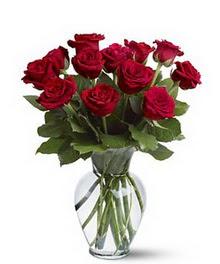Adana çiçek gönderme sitemiz güvenlidir  cam yada mika vazoda 10 kirmizi gül