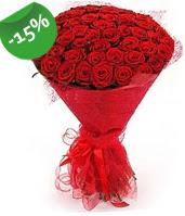 51 adet kırmızı gül buketi özel hissedenlere  Adana çiçek siparişi sitesi