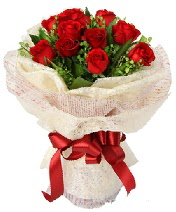 12 adet kırmızı gül buketi  Adana anneler günü çiçek yolla