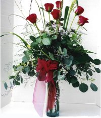 Adana çiçek siparişi sitesi  7 adet gül özel bir tanzim