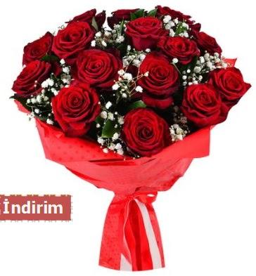 12 Adet kırmızı aşk gülleri  Adana çiçek satışı