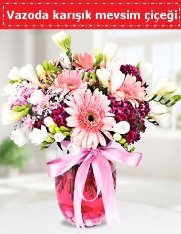 Vazoda karışık mevsim çiçeği  Adana çiçek , çiçekçi , çiçekçilik