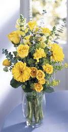 Adana online çiçek gönderme sipariş  sari güller ve gerbera cam yada mika vazo