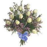bir düzine beyaz gül buketi   Adana çiçek gönderme sitemiz güvenlidir
