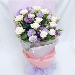 Adana internetten çiçek satışı  BEYAZ GÜLLER VE KIR ÇIÇEKLERIS BUKETI
