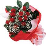 Adana internetten çiçek satışı  KIRMIZI AMBALAJ BUKETINDE 12 ADET GÜL