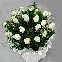 Adana hediye çiçek yolla  11 adet beyaz gül buketi ve bembeyaz amnbalaj