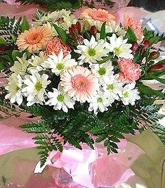 Adana hediye çiçek yolla  karma büyük ve gösterisli mevsim demeti