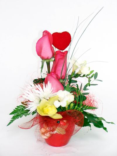 Adana ucuz çiçek gönder  cam içerisinde 3 adet gül ve kir çiçekleri