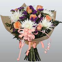 güller ve kir çiçekleri demeti   Adana çiçekçiler