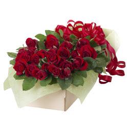 19 adet kirmizi gül buketi  Adana güvenli kaliteli hızlı çiçek