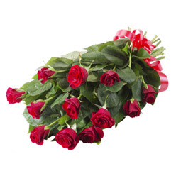 11 adet kirmizi gül buketi  Adana yurtiçi ve yurtdışı çiçek siparişi