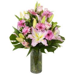 vazo içerisinde karisik mevsim çiçekleri  Adana internetten çiçek siparişi