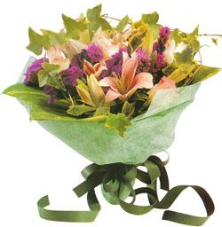 karisik mevsim buketi anneler günü ve sevilenlere  Adana çiçekçi mağazası