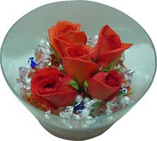 Adana 14 şubat sevgililer günü çiçek  5 adet gül ve cam tanzimde çiçekler