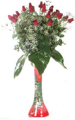 Adana uluslararası çiçek gönderme  19 ADET GÜL VE FIL CAM AYAGI