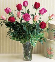 Adana çiçek mağazası , çiçekçi adresleri  12 adet karisik renkte gül cam yada mika vazoda