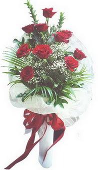 Adana hediye çiçek yolla  10 adet kirmizi gülden buket tanzimi özel anlara
