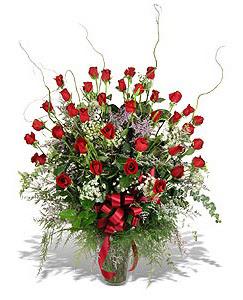Adana çiçek siparişi sitesi  33 adet kirmizi gül vazo içerisinde