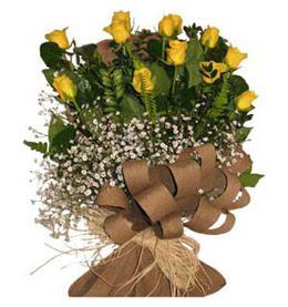 Adana çiçek yolla  9 adet sari gül buketi