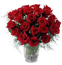 Adana çiçek gönderme sitemiz güvenlidir  11 adet kirmizi gül cam yada mika vazo içerisinde