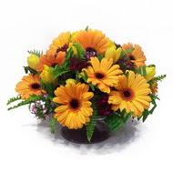 gerbera ve kir çiçek masa aranjmani  Adana çiçek siparişi vermek