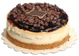 pasta yolla 4 ile 6 kisilik çikolatali yas pasta  Adana online çiçek gönderme sipariş