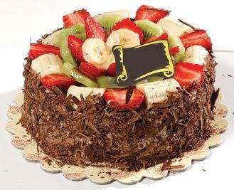 pastaci firmasindan 4 ile 6 kisilik çikolata meyvali yaspasta  Adana çiçek siparişi sitesi