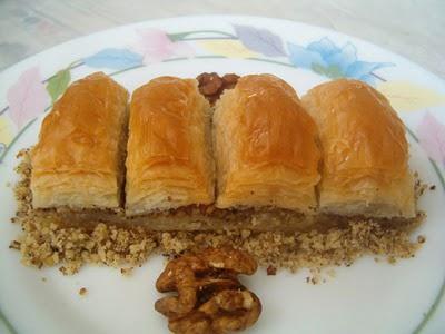 online pastane Essiz lezzette 1 kilo cevizli baklava  Adana cicek , cicekci