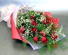 10 adet kirmizi gül çiçegi gönder  Adana anneler günü çiçek yolla