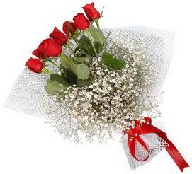 7 adet essiz kalitede kirmizi gül buketi  Adana hediye sevgilime hediye çiçek
