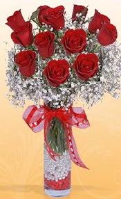 10 adet kirmizi gülden vazo tanzimi  Adana çiçek siparişi sitesi