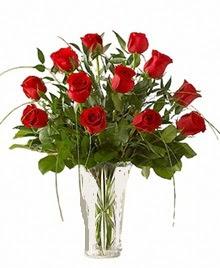 cam yada mika vazo içerisinde 9 kirmizi gül  Adana çiçek siparişi sitesi