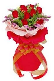 Adana cicekciler , cicek siparisi  8 Adet kirmizi güllerden buket tanzimi