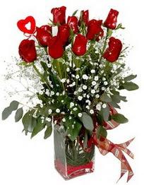 Adana çiçek siparişi vermek  9 adet mika yada cam vazoda gül tanzimi kalp çubuk