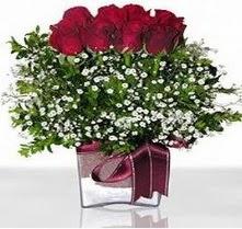Adana internetten çiçek satışı  mika yada cam vazo içerisinde 7 adet gül