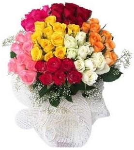Adana çiçekçi telefonları  51 adet farklı renklerde gül buketi