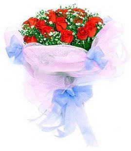 Adana çiçek siparişi sitesi  11 adet kırmızı güllerden buket modeli