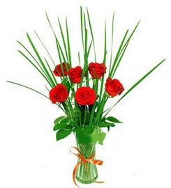 Adana çiçek , çiçekçi , çiçekçilik  6 adet kırmızı güllerden vazo çiçeği