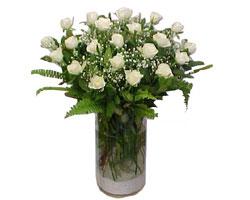 Adana yurtiçi ve yurtdışı çiçek siparişi  cam yada mika Vazoda 12 adet beyaz gül - sevenler için ideal seçim