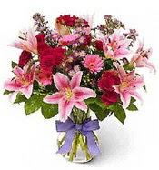 Vazo içerisinde karışık mevsim çiçeği  Adana çiçek siparişi sitesi