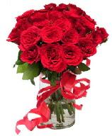 21 adet vazo içerisinde kırmızı gül  Adana çiçek satışı