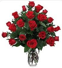 Adana çiçek siparişi sitesi  24 adet kırmızı gülden vazo tanzimi