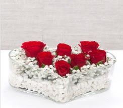kalp içerisinde 7 adet kırmızı gül  Adana çiçek siparişi vermek