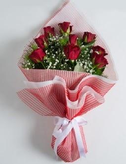 9 adet kırmızı gülden buket  Adana çiçek satışı