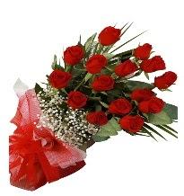 15 kırmızı gül buketi sevgiliye özel  Adana çiçek gönderme sitemiz güvenlidir