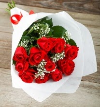 9 kırmızı gülden buket çiçeği  Adana çiçek gönderme