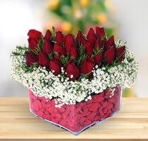 15 kırmızı gülden kalp mika çiçeği  Adana çiçek satışı