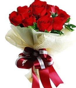 9 adet kırmızı gülden buket tanzimi  Adana çiçek gönderme sitemiz güvenlidir